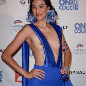 Abigail Lopez Braless (5 Photos) – Leaked Nudes