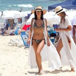 nude celebrities Alessandra Ambrosio 010 pic