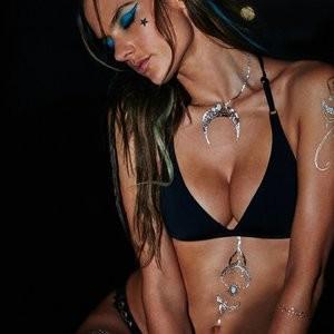 Alessandra Ambrosio Sexy (4 Photos) – Leaked Nudes