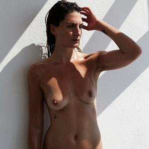 Celeb Nude Alexandra Apostolidis 004 pic