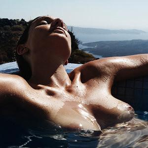 Celebrity Nude Pic Alexandra Apostolidis 008 pic