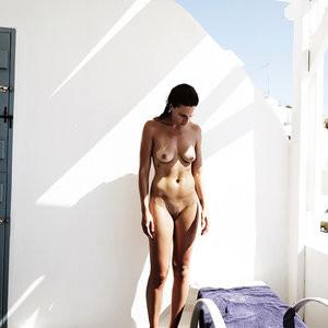 Alexandra Breckenridge  nackt