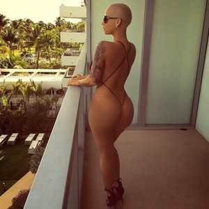 Amber Rose Bikini 2015 (4 Photos) - Leaked Nudes