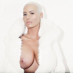 Amber Rose Tit (1 Photo) – Leaked Nudes