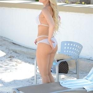Celeb Nude Ana Braga 007 pic
