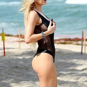 Nude Celeb Pic Ana Braga 009 pic