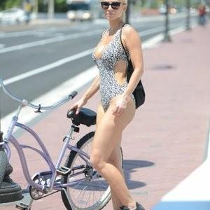 Naked Celebrity Ana Braga 005 pic