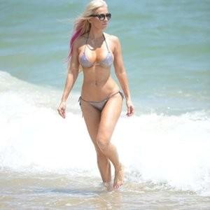 Free Nude Celeb Ana Braga 015 pic