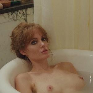 Angelina Jolie Nude (14 Photos + Video) – Leaked Nudes