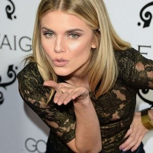 Naked celebrity picture AnnaLynne McCord 014 pic