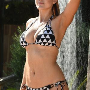 Newest Celebrity Nude Ashley James 001 pic