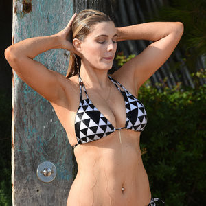 Leaked Celebrity Pic Ashley James 009 pic
