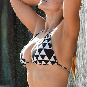 Famous Nude Ashley James 013 pic