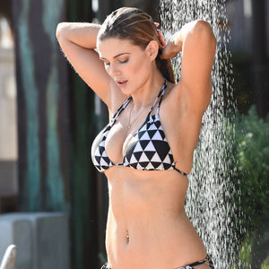 Free nude Celebrity Ashley James 017 pic