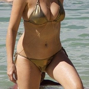 Real Celebrity Nude Ashley James 014 pic