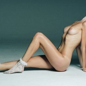 Avril Alexander Naked (4 Photos) - Leaked Nudes