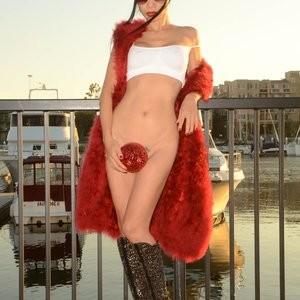 Celeb Naked Bai Ling 032 pic