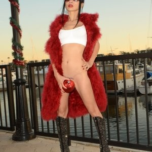Naked Celebrity Pic Bai Ling 042 pic
