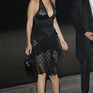 Real Celebrity Nude Bella Hadid 016 pic