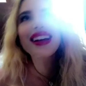 Celebrity Nude Pic Bella Thorne 013 pic