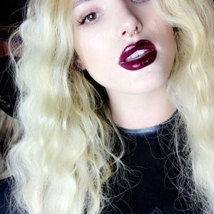 Celebrity Leaked Nude Photo Bella Thorne 027 pic