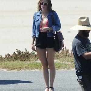 Hot Naked Celeb Bella Thorne 031 pic