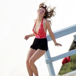 celeb nude Bella Thorne 126 pic