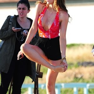 Free Nude Celeb Bella Thorne 256 pic