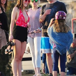 Free Nude Celeb Bella Thorne 277 pic