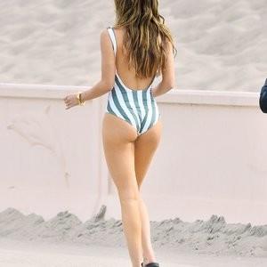 Free Nude Celeb Bella Thorne 024 pic