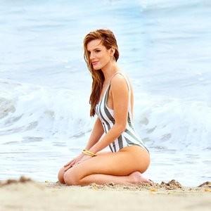 Free Nude Celeb Bella Thorne 033 pic