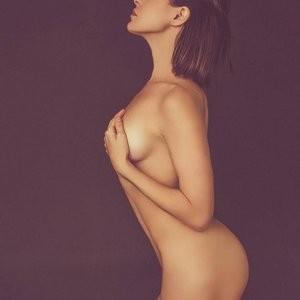 Celebrity Naked Brea Grant 001 pic