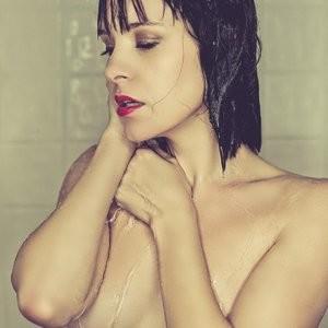 celeb nude Brea Grant 003 pic