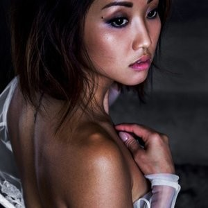Free nude Celebrity Brenda Song 006 pic