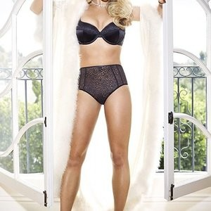 Britney Spears in Lingerie (11 New Photos) – Leaked Nudes