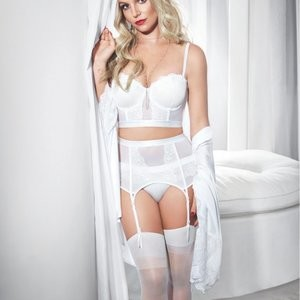 Britney Spears in Lingerie (4 New Photos) – Leaked Nudes