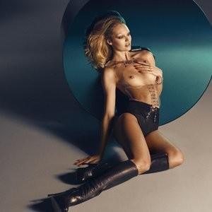 Naked Celebrity Candice Swanepoel 002 pic