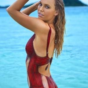 Caroline Wozniacki Bodypaint (18 Photos) - Leaked Nudes