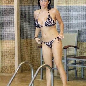 Famous Nude Casey Batchelor 004 pic