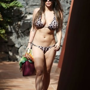 Free nude Celebrity Casey Batchelor 013 pic