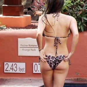Naked Celebrity Pic Casey Batchelor 020 pic