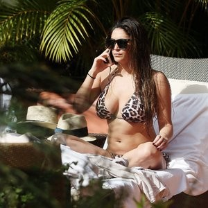 Famous Nude Casey Batchelor 021 pic