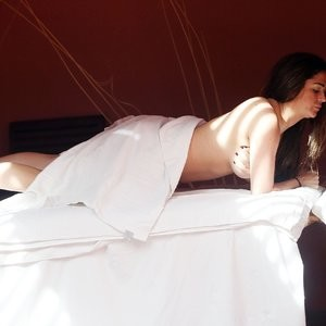 celeb nude Casey Batchelor 045 pic