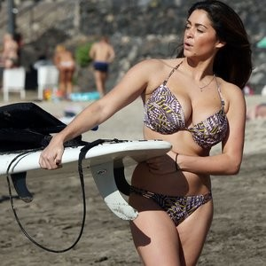 Free nude Celebrity Casey Batchelor 115 pic