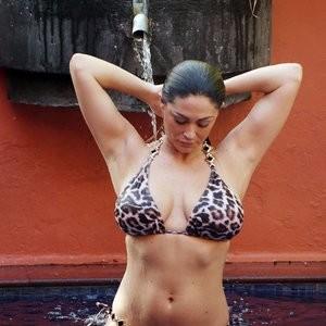Newest Celebrity Nude Casey Batchelor 129 pic