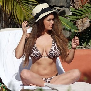 Celebrity Leaked Nude Photo Casey Batchelor 133 pic