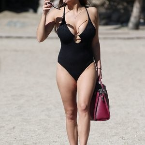 Newest Celebrity Nude Casey Batchelor 009 pic