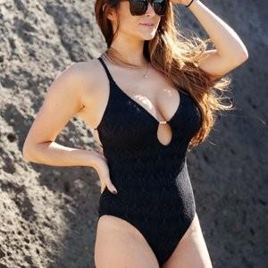 Naked Celebrity Pic Casey Batchelor 029 pic