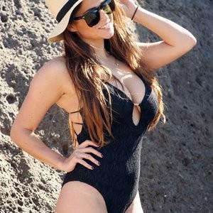 Free Nude Celeb Casey Batchelor 056 pic