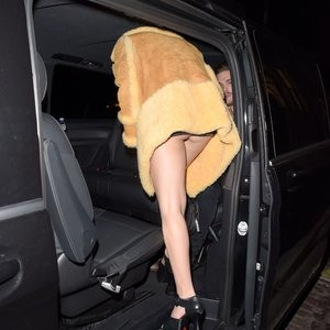 Free nude Celebrity Charli XCX 001 pic
